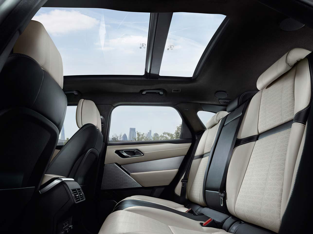 Nach oben offen. Das Panorama-Glasdach des Range Rover Velar