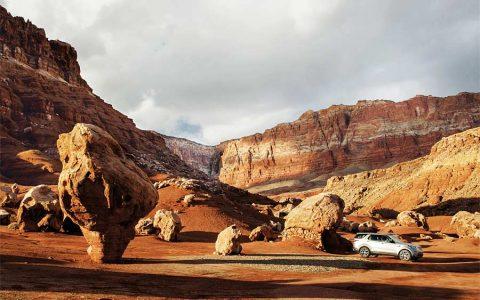 Von Wind und Wasser erschaffene Felswildnis mit einem Irrgarten aus Canyons, Flussmäandern und Felsmonumenten: Das ist Utah.