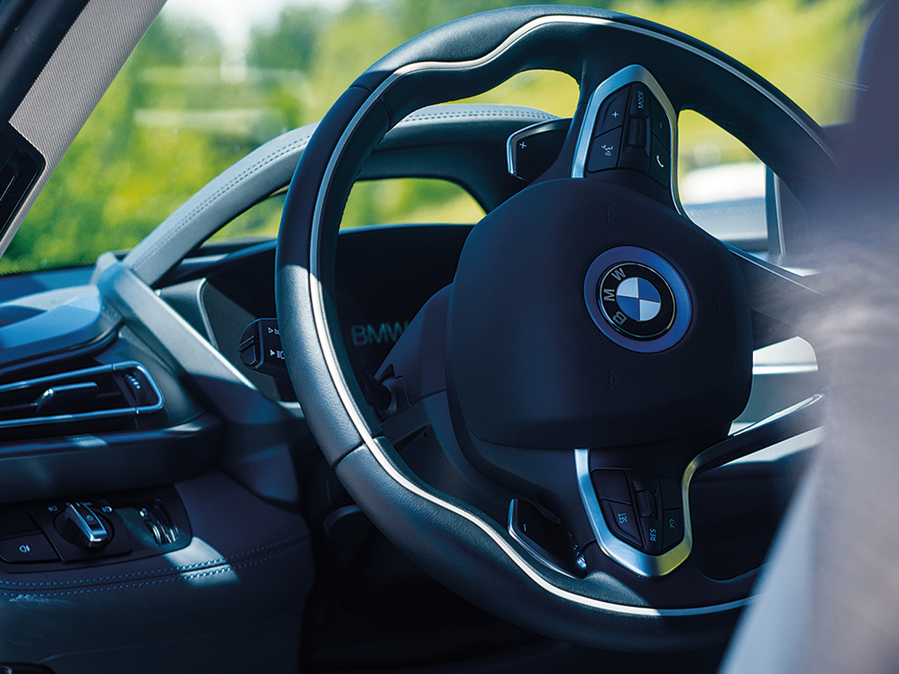 Unverwechselbar, sportlich-modern und nachhaltig: die Leitidee des Sportwagens der Zukunft.