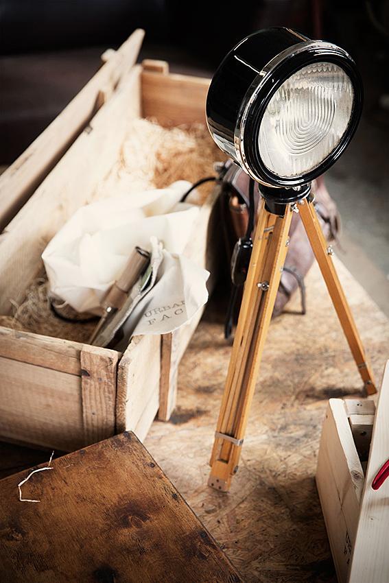 Stilvoll verpackt: der Autoscheinwerfer fürs Wohnzimmer