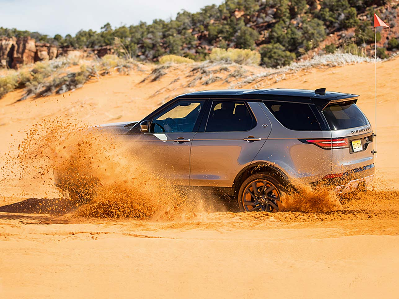 Die größte Herausforderung beim neuen Land Rover Discovery war ein Gelände zu finden, das auch wirklich eine Herausforderung für IHN darstellt. Doch zum Glück gibt es Utah: die perfekte Umgebung für unseren Geröll-Sand-Schnee-Test!
